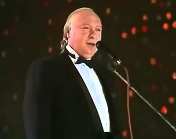 Поет Валерий Ободзинский