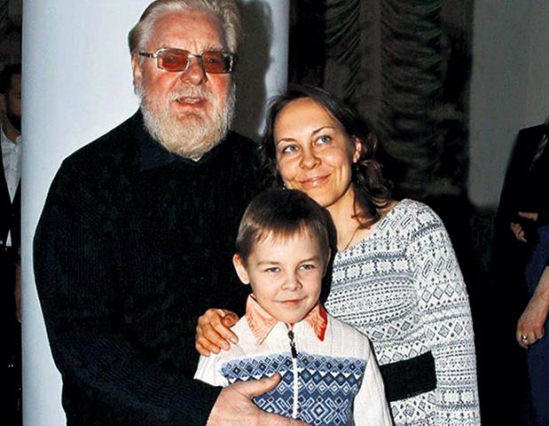 С женой Жанной и сыном Валентином