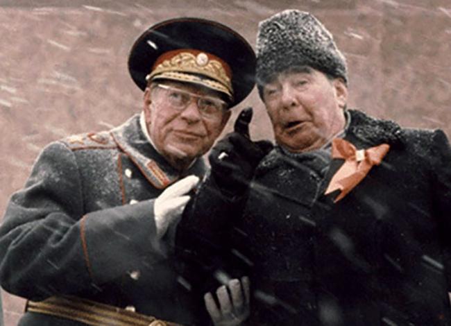 Д.Ф. Устинов и Л.И. Брежнев