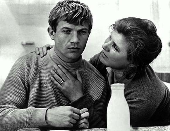 В фильме «Три дня Виктора Чернышева» (1967)