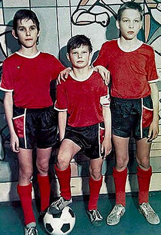 Андрей Аршавин (в центре)