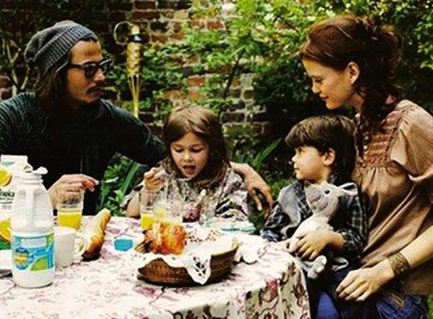 С Ванессой Паради и детьми