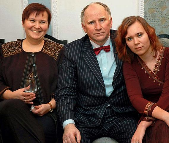 С женой Еленой и дочерью Александрой