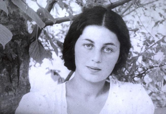 Анна Ларина