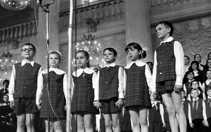 Сергей Парамонов (справа) на выступлении в Колонном зале (1972)