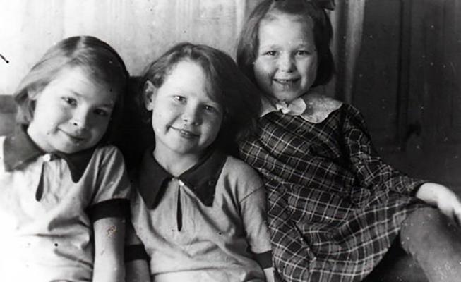 Сестры Губайдулины в детстве