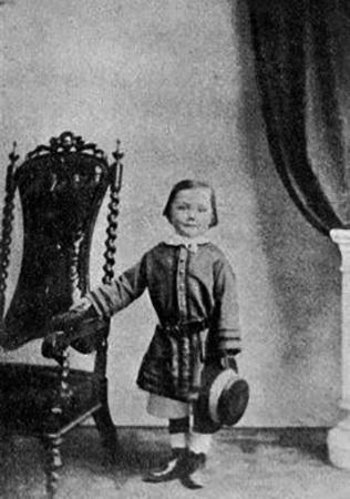 Артур Конан Дойл в возрасте 4 года
