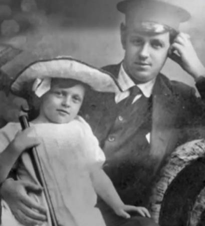 Татьяна Пельтцер с отцом в детстве