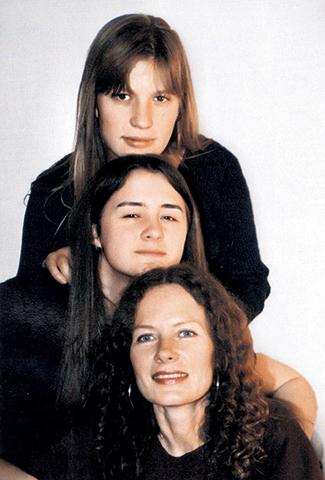 С дочерьми Дарьей и Александрой