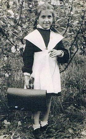 Юлия Вознесенская в детстве