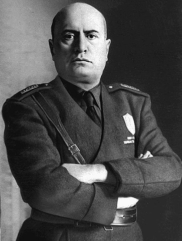 Диктатор Бенито Муссолини