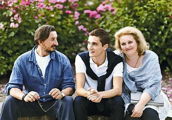 С женой Аллой и сыном Матвеем