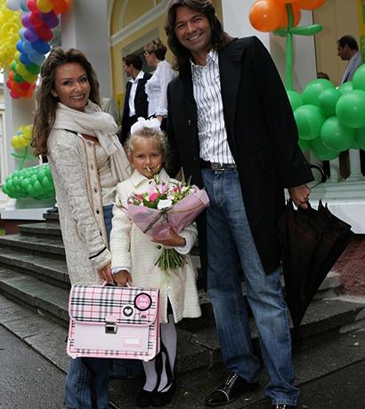 С мужем Дмитрием и дочерью Стефанией (2006)