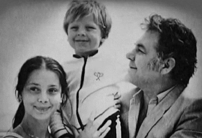 С первым мужем и сыном