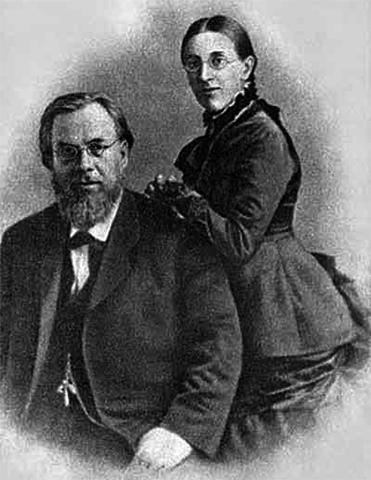 С первой женой Анастасией Крыловой
