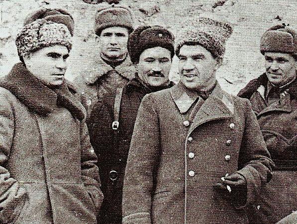 К. А. Гуров и В. И. Чуйков. Сталинград