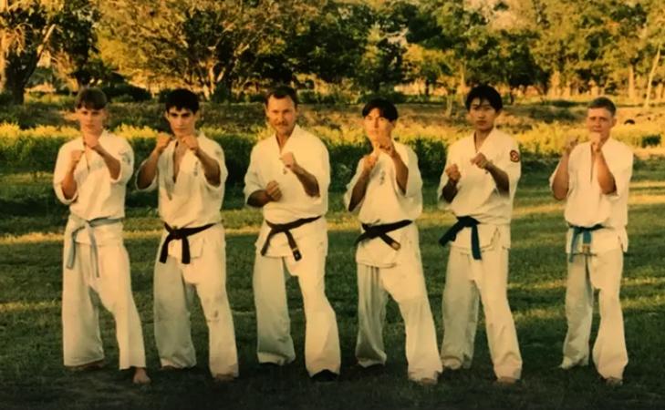 Бату Хасиков (4-ый слева) в молодости