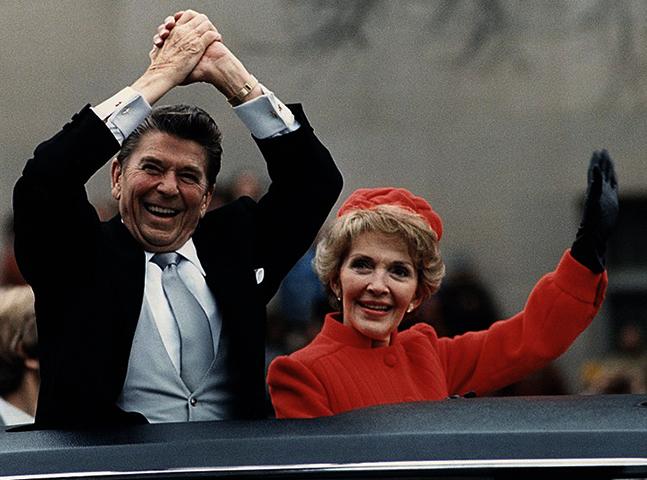 С женой на инаугурации (1981)