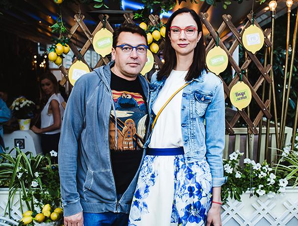 С женой Екатериной