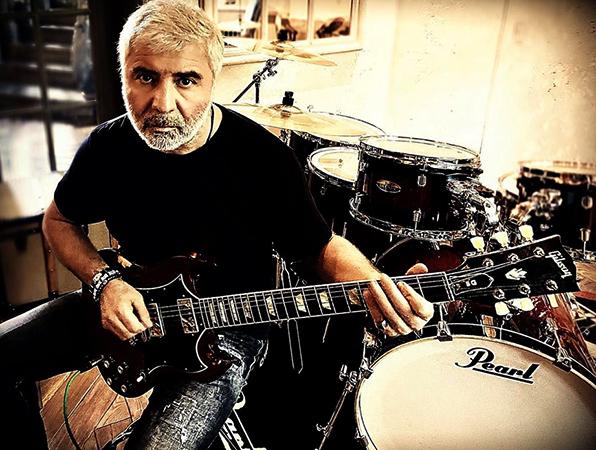 Музыкант и певец Сосо Павлиашвили