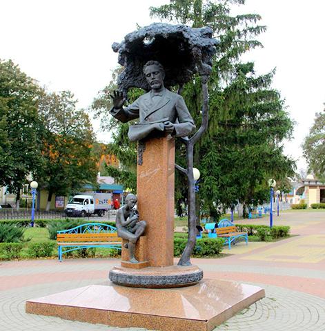 Памятник Василию Калинникову в Орле