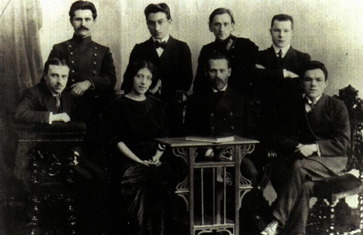 Николай Кондратьев (первый слева) во время учебы в Петербургском университете