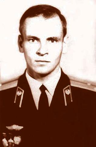 Во время учебы в военном училище Саратова