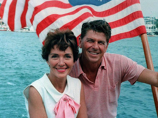 Со второй женой Нэнси (1964)