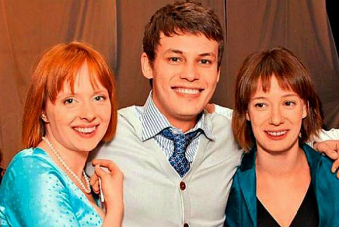 С Дарьей Белоусовой и сестрой Чулпан