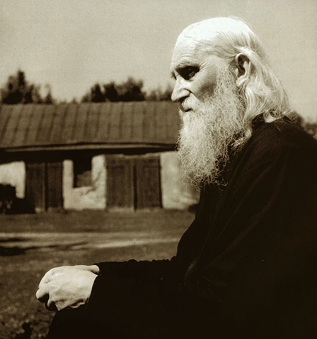 Священник Николай Гурьянов
