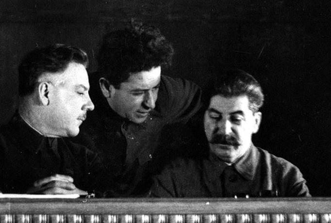 Ворошилов, Мехлис, Сталин