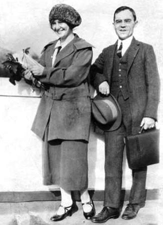 С женой Евгенией (1924)