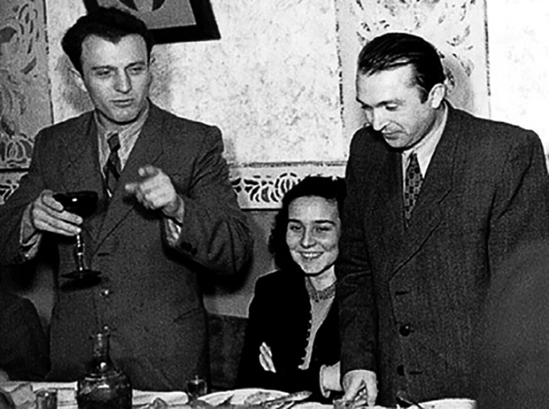 Эдуард Шеварднадзе (слева) в молодости