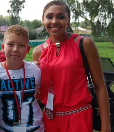 Инна Белова с сыном Даниилом