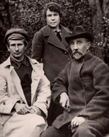 С сыном Николаем и дочерью Марией
