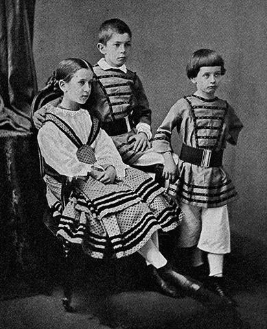 Дети — Мария, Герберт и Вильгельм