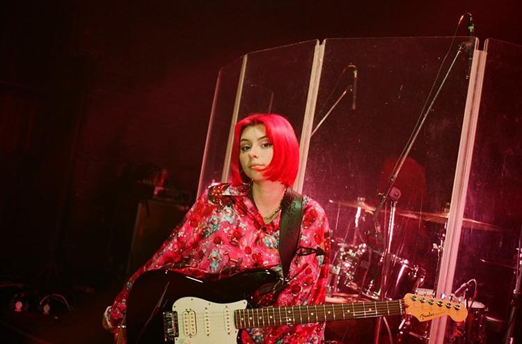Певица Дора