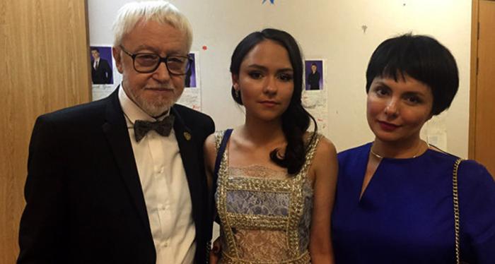 С третьей женой Надирой и дочерью