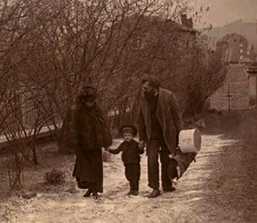 Со второй женой Евгенией и сыном Борисом (1897 г.)