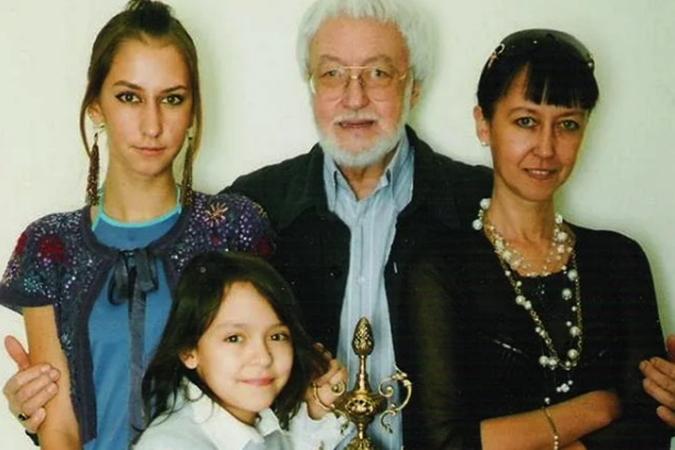 С семьей