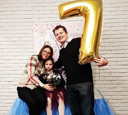 С третьим мужем Андреем и дочерью Аглаей