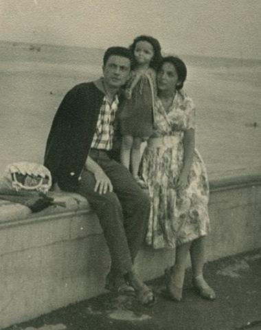 С женой Эльвирой и дочерью Еленой