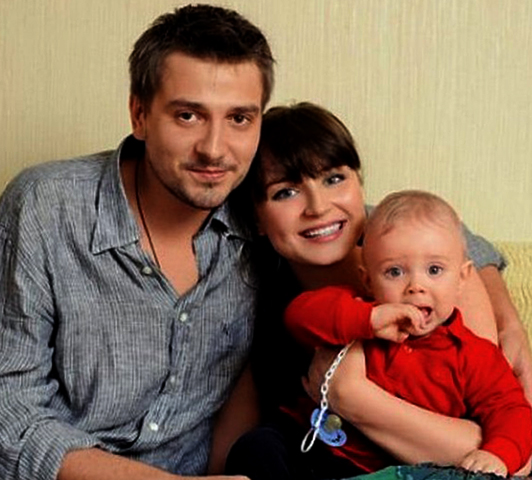 Со второй женой Полиной и сыном Андреем