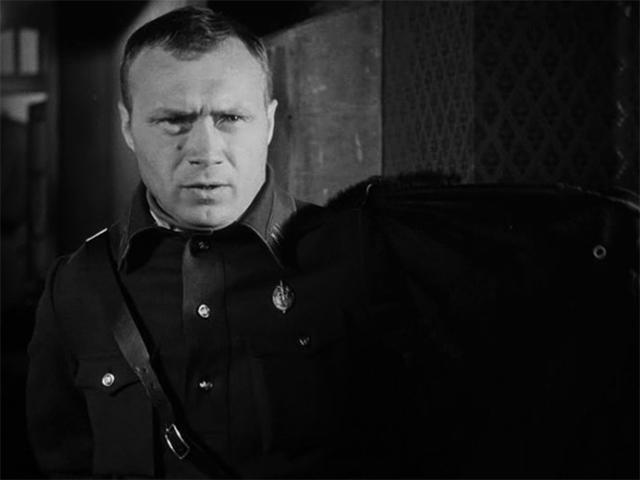 В фильме «Мой друг Иван Лапшин» (1984)