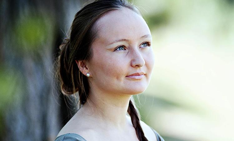 Юлия Лежнева в юности