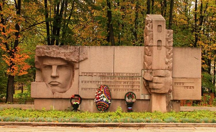 Памятник Федору Полетаеву в Рязане