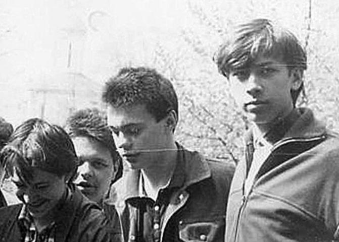 Андрей Мерзликин (справа) в юности