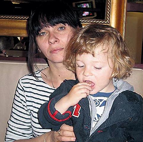 Жена Екатерина с сыном Тимофеем