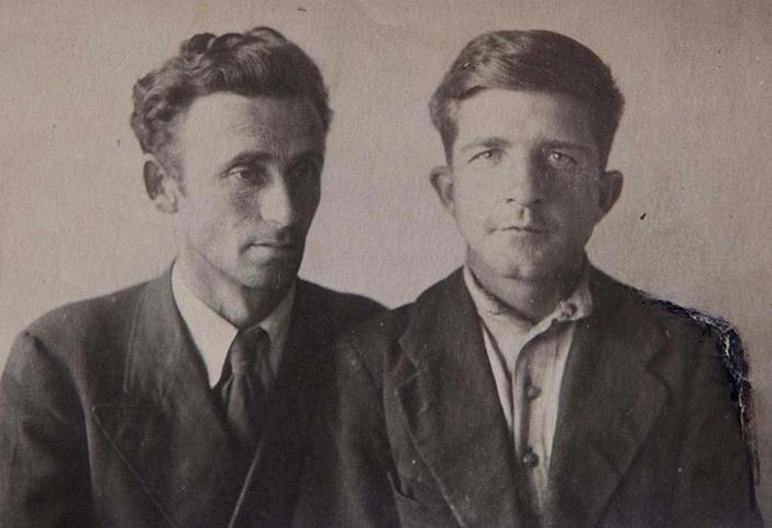 Виктор Сорокин (справа) и коммунар-студиец Н.А Пушкин (1930-ые)