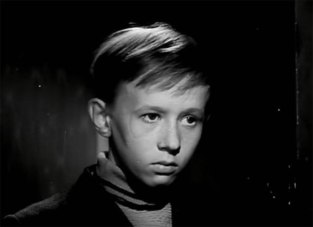 В фильме «Звонят, откройте дверь!» (1965)